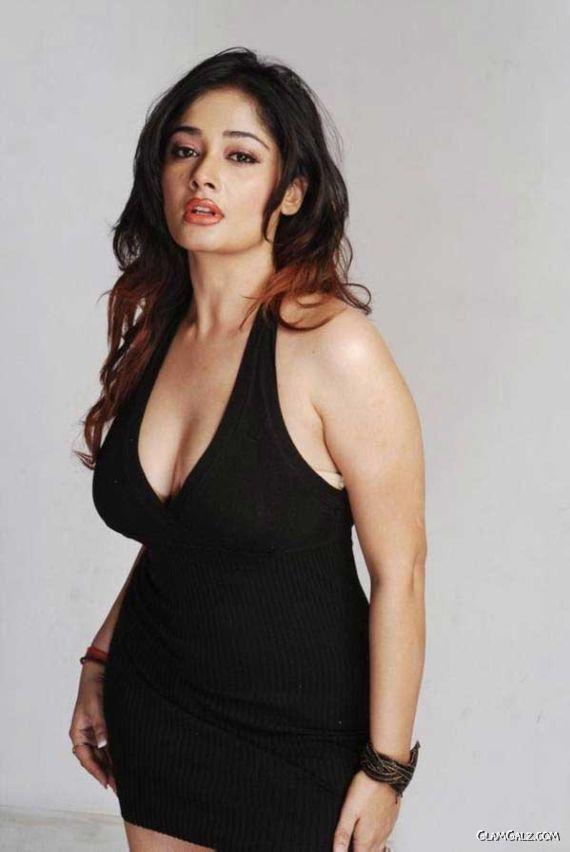 INDIAN ACTRESS: Kiran Rathod big boobs hanging deep ...