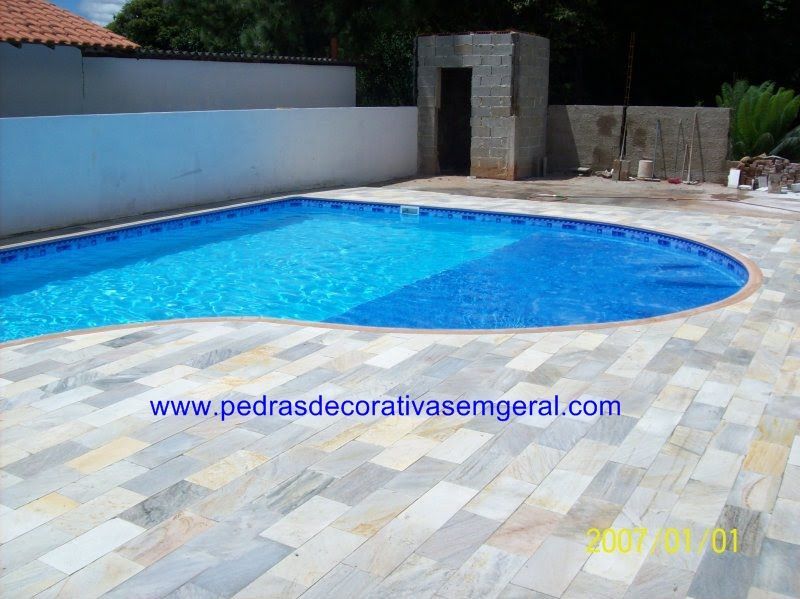 Pedras decorativas pedra madeira filete canjiquinha for Luminarias para piscinas