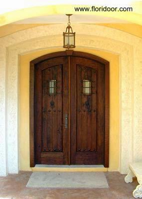 Puerta de madera doble clásica americana
