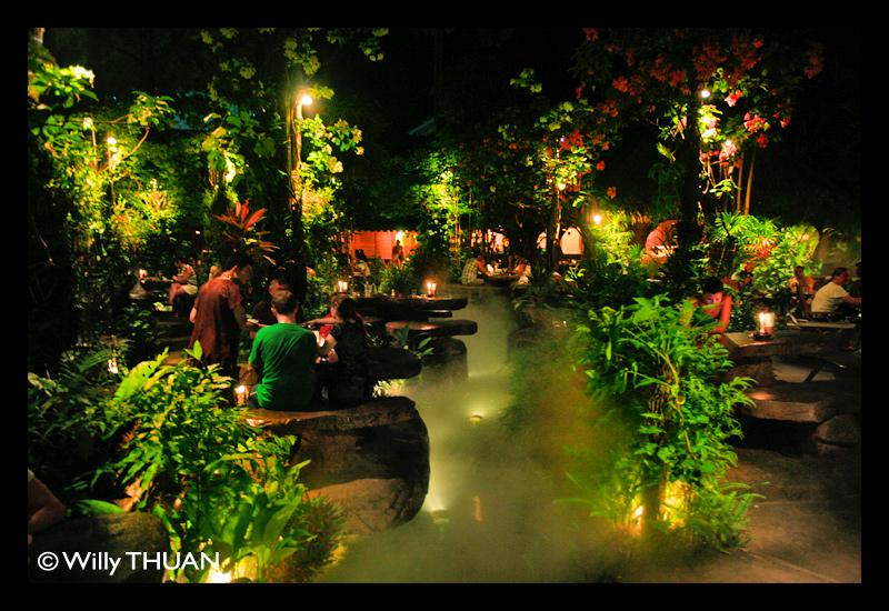 """L'Espace-Temps"" Jurassic Restaurant Dino-park-restaurant"