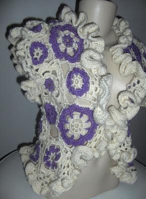 Colete em Crochet Floral Rococó