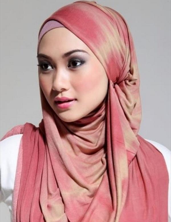 varför måste muslimska kvinnor bära slöja