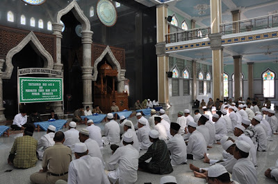 Apa Hukum Tasyakuran Haji ?