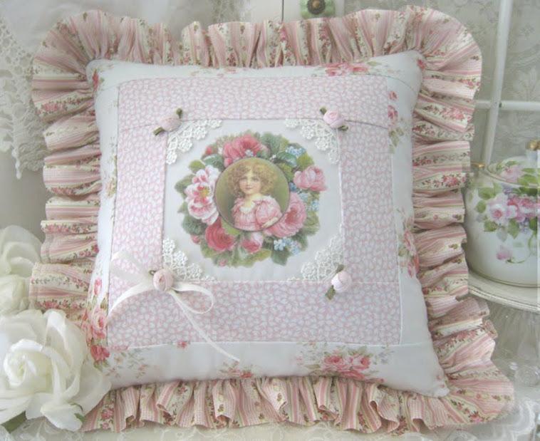 Cuscino vittoriano  BY LYNN