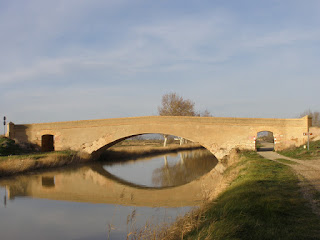 Puente de Clavería Canal Imperial de Aragón Garrapinillos Zaragoza