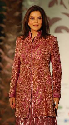 zeenat-aman-hollywood-actress