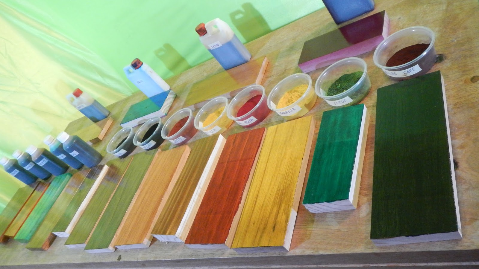 Decoraciones manualidades en madera que son los tintes de - Tinte para madera casero ...