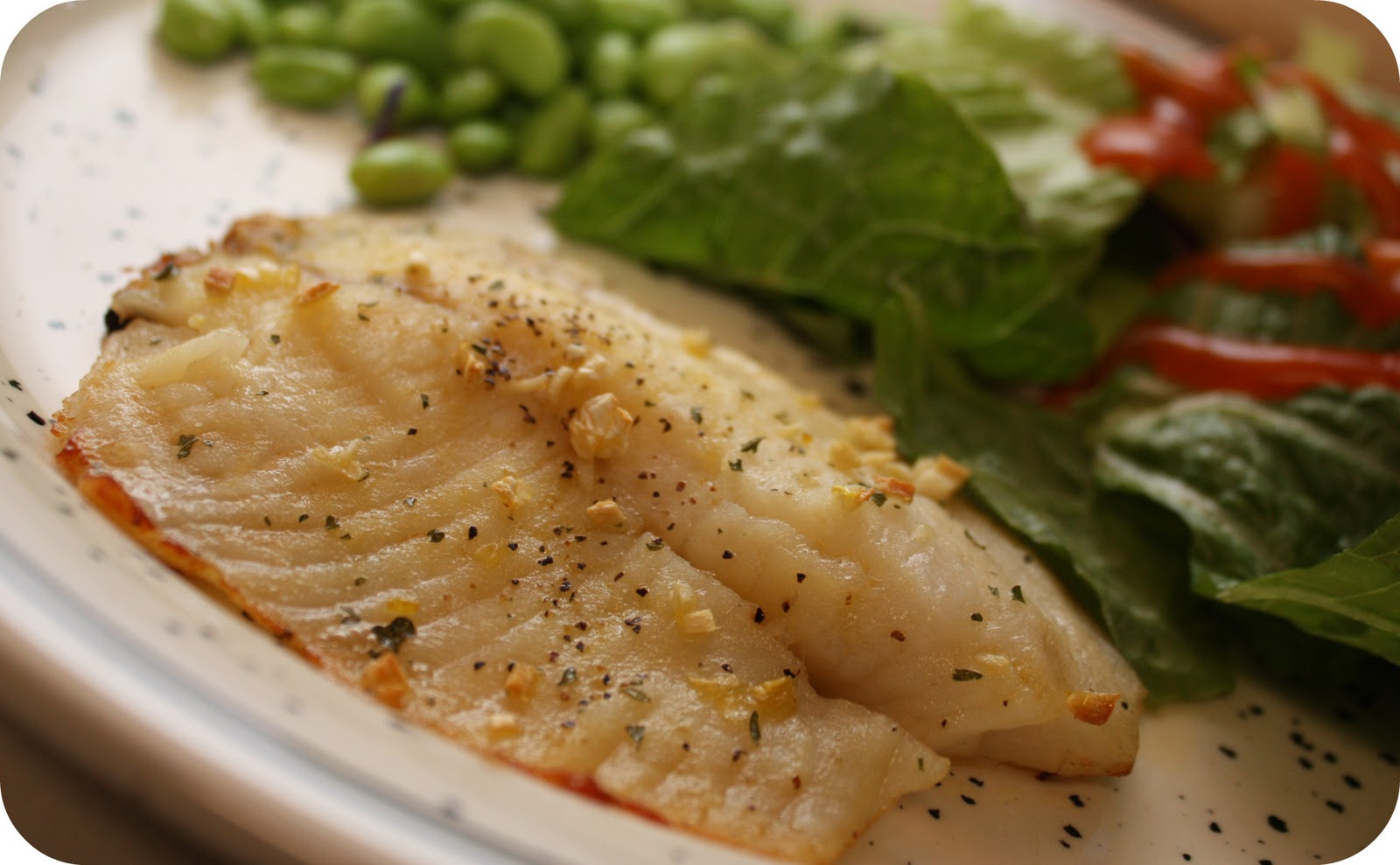 lemon garlic tilapia Lemon garlic baked tilapia is the easiest and tastiest way to get healthy fish onto the dinner plate cooking fish at home has never been easier.