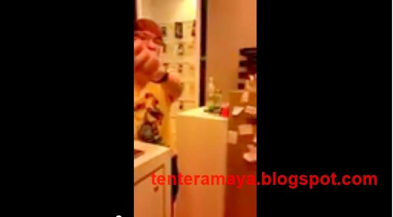 VIDEO CINA KURANG AJAR DENGAN CUSTOMER ANAK MELAYU