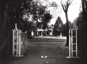 Donde hoy están las torres de calle Alberdi, allí estaba la Casa de Ezequiel Ramos Mejía.