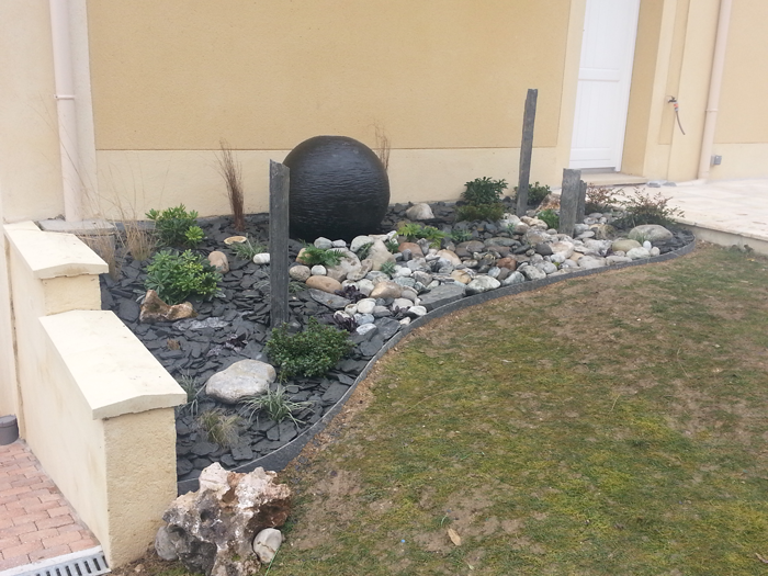 Am nagement d cor zen avec fontaine boule ou comment for Decoration jardin avec fontaine