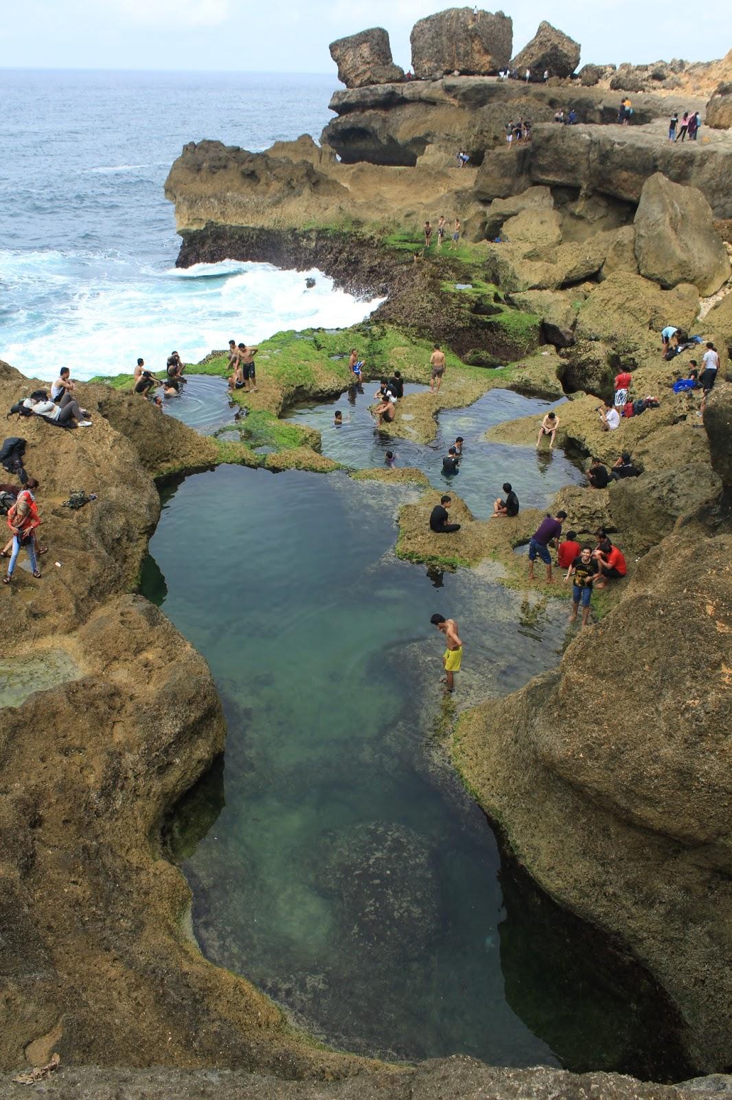 Ferdy Waterfall Pantai Kedung Tumpang