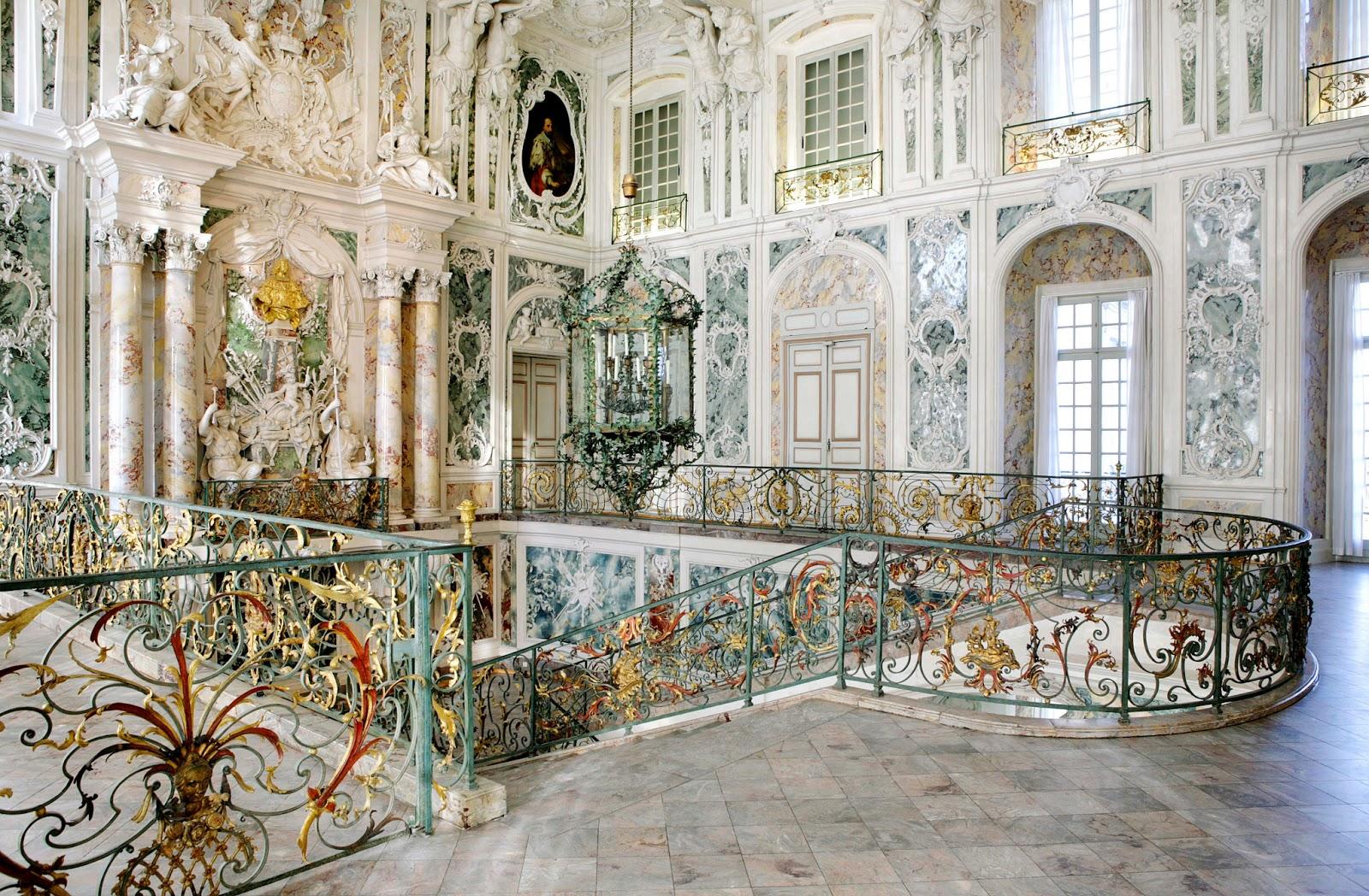 ORNAMENTAL WOODCARVER Patrick Damiaens The Palaces