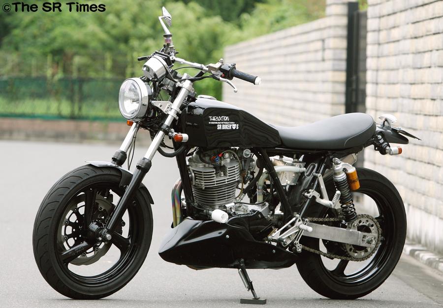 planet japan blog yamaha sr 400 2001 by bike garage thruxton. Black Bedroom Furniture Sets. Home Design Ideas