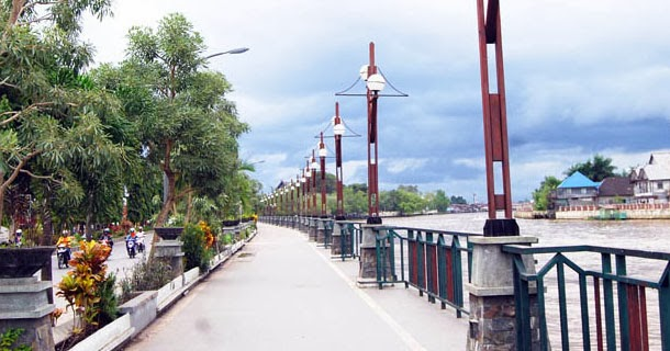 Taman Siring Sungai Martapura