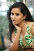 Ishika singh latest glam pics-thumbnail-17