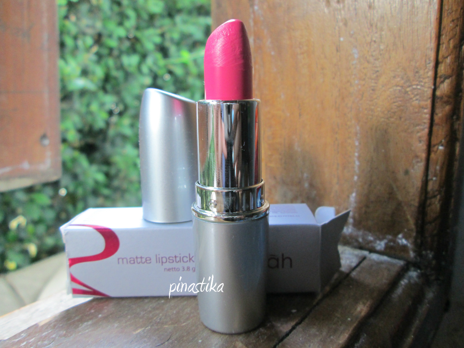 Review Wardah Matte Lipstick No 02 Pink