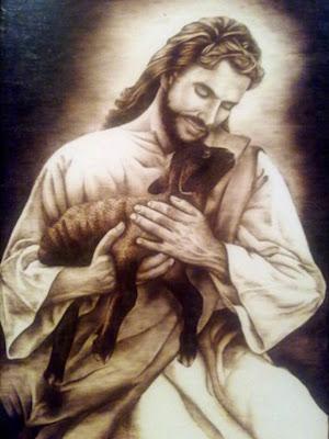 Jesus el Buen Pastor con un corderito en brazos