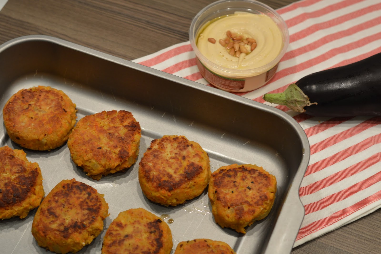 Vegetarian recipe: sweet potato and chickpea cakes burgers patties with humous