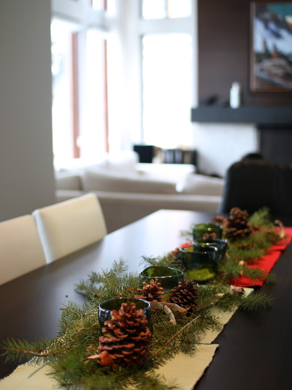 how to decorate a table setting for christmas