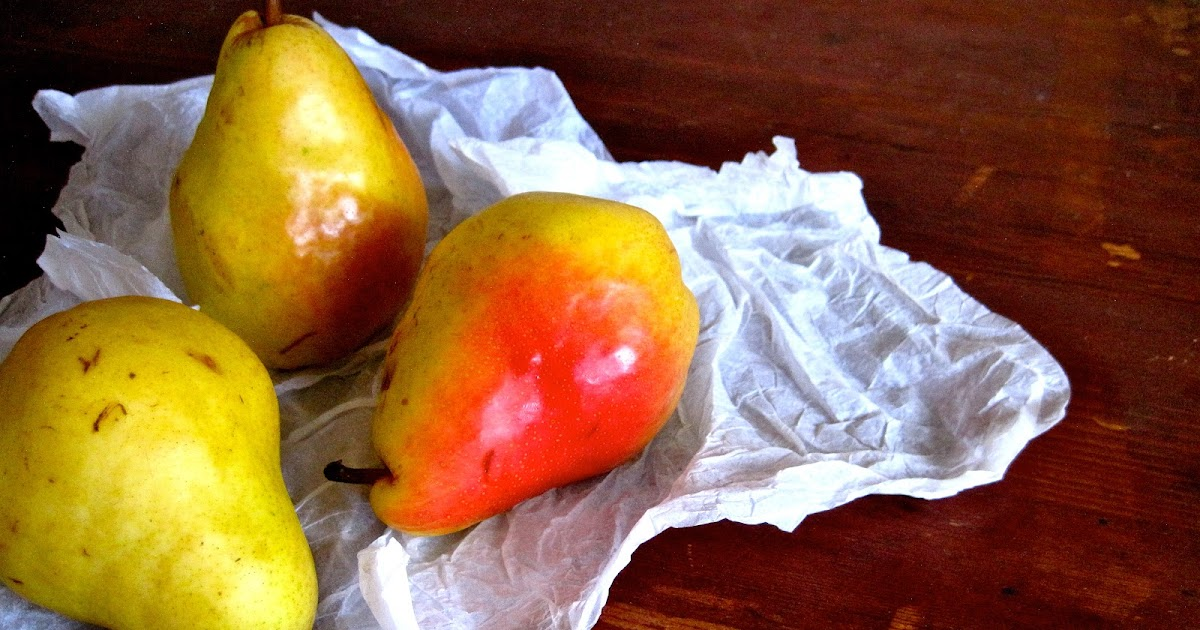 living beautifully...on a budget: Old Fashioned Pear Dessert