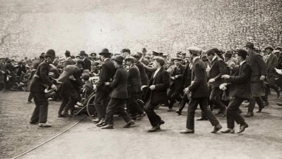 Disturbios seguidores fútbol en Inglaterra 1923
