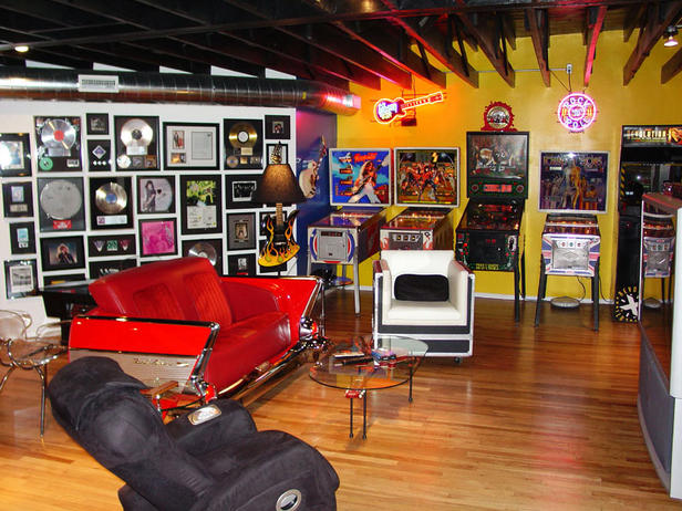Man Cave Car Decor : Turning houses into homes dude tastic man caves
