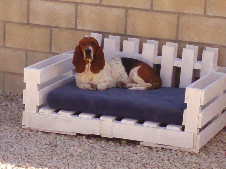 Camas para perros con palets reciclados - Lit pour chien en palette ...
