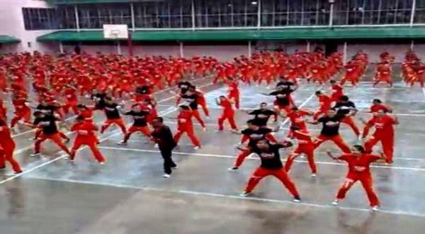 Tahanan Filipina Joget Gangnam Style!
