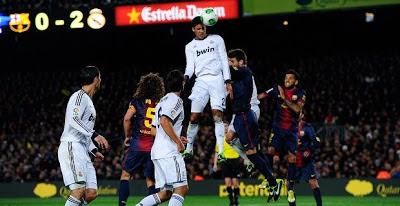Varane marca el 0-3 en el Camp Nou