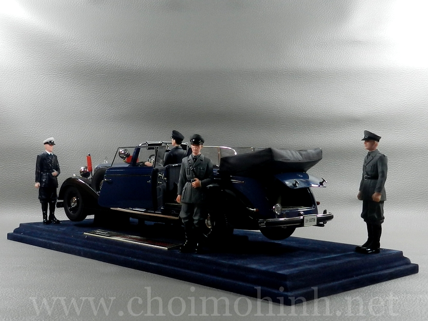 Mercedes-Benz 770K Cabriolet 1938 1:18 Primier Miniature Signature Models back