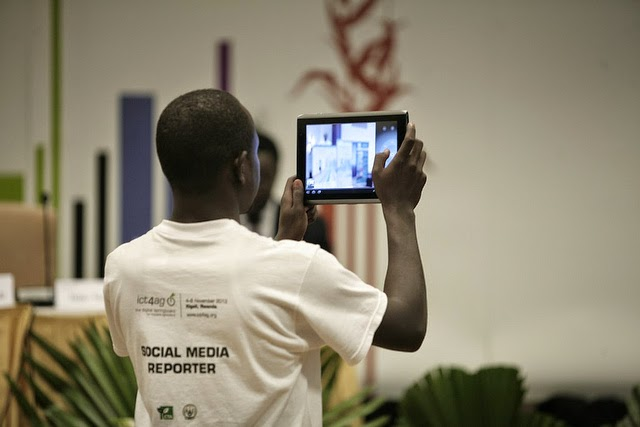 A social media reporter at work during the ICT4Ag Conference - Source: CTA ARDYS - http://ardyis.cta.int/