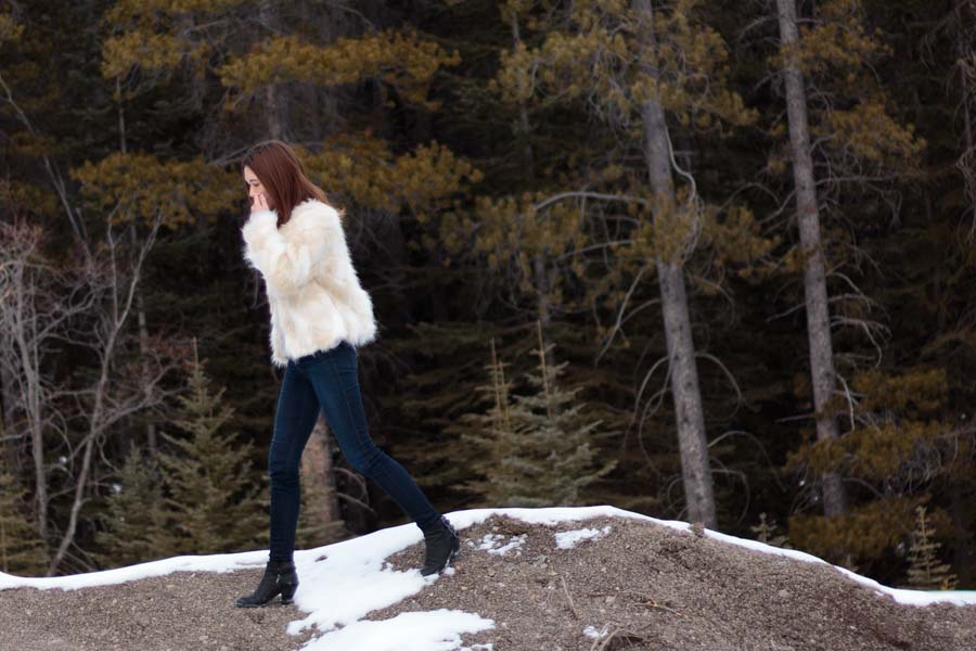 faux fur, fur coat, fur jacket, yeti coat, canmore, provincial park, winter fashion, winter outfit idea