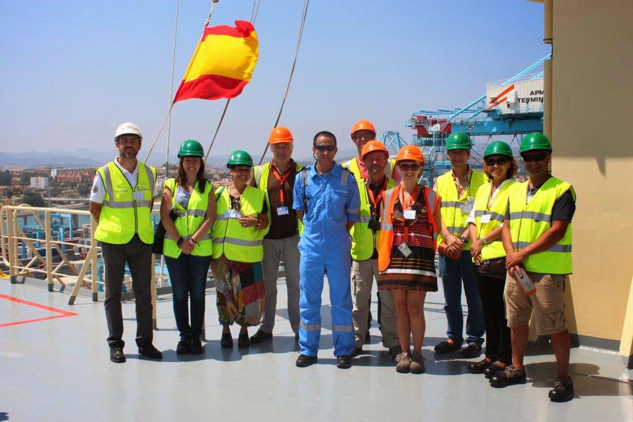 Vsita de trabajadores de la APBA y APMT al Triple E Madison Maersk atracado hoy en Algeciras