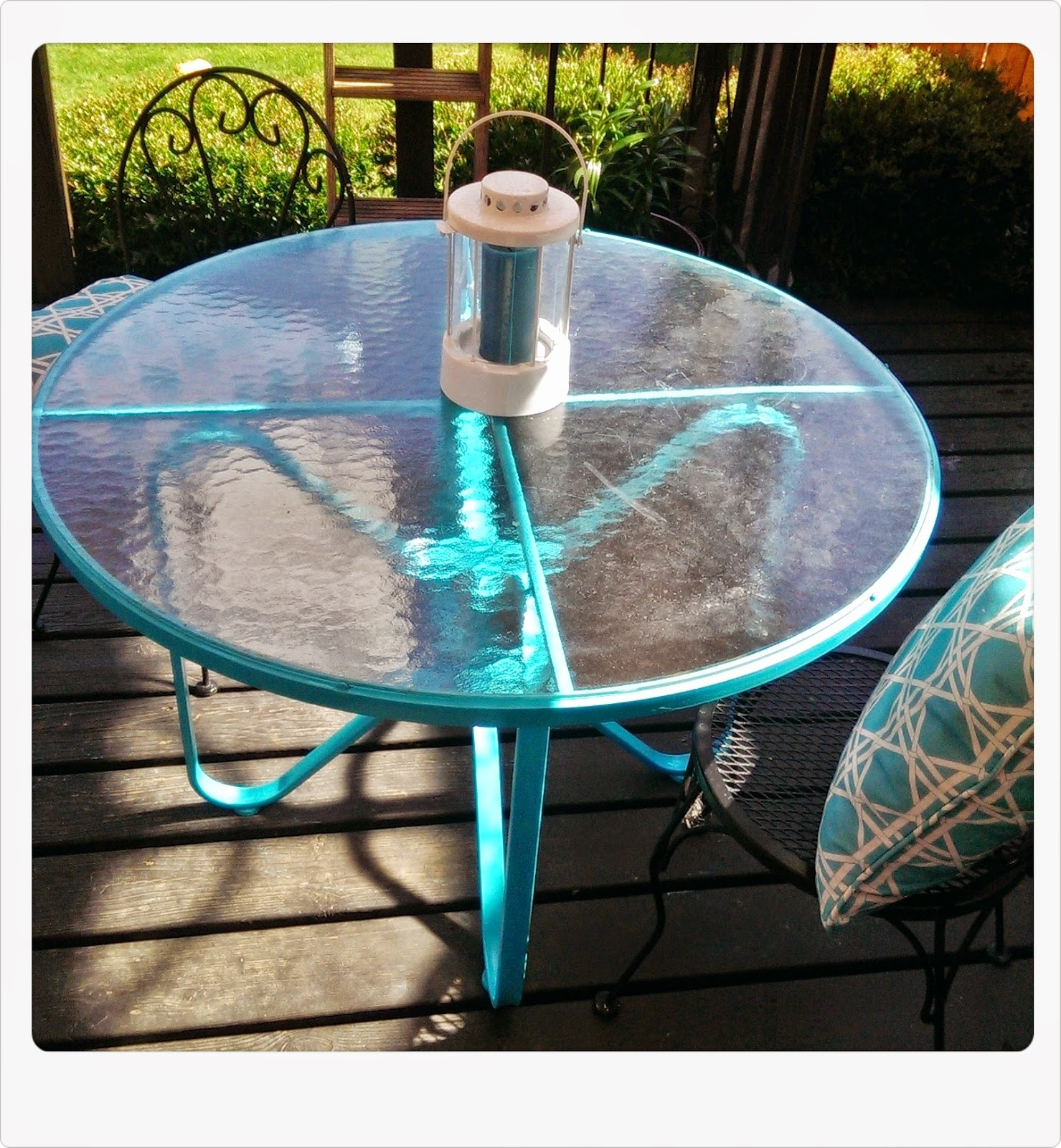 Meg made Creations Spray Paint Patio Table From Rust Stained to