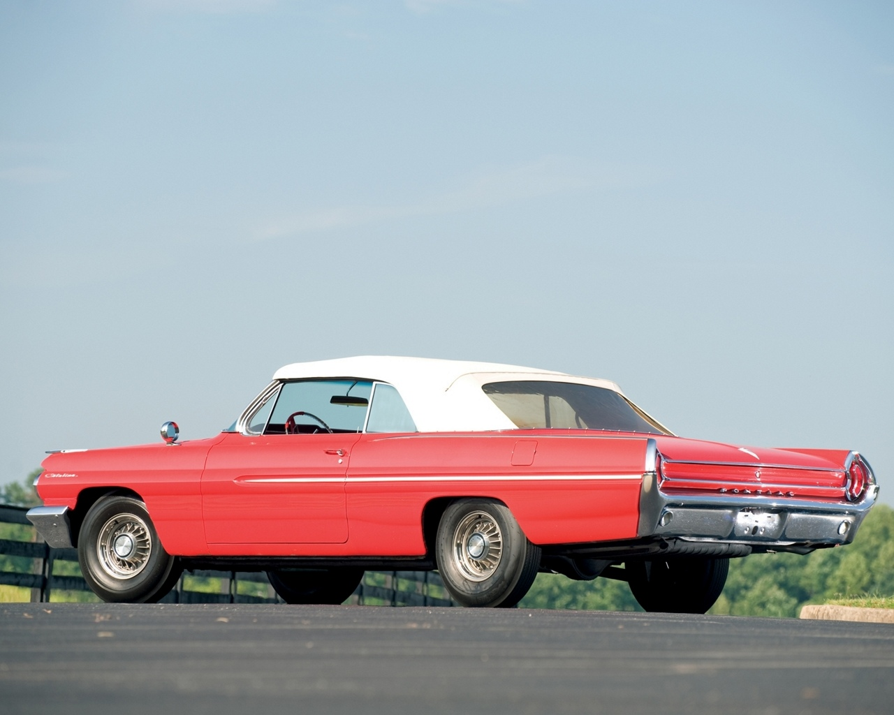 http://4.bp.blogspot.com/-V_0kYyQXXvk/T-IN3K8G6FI/AAAAAAAAAUI/NplMEIiOWa0/s1600/American+Classic+Cars+Wallpapers+1280+X+1024+(3).jpg
