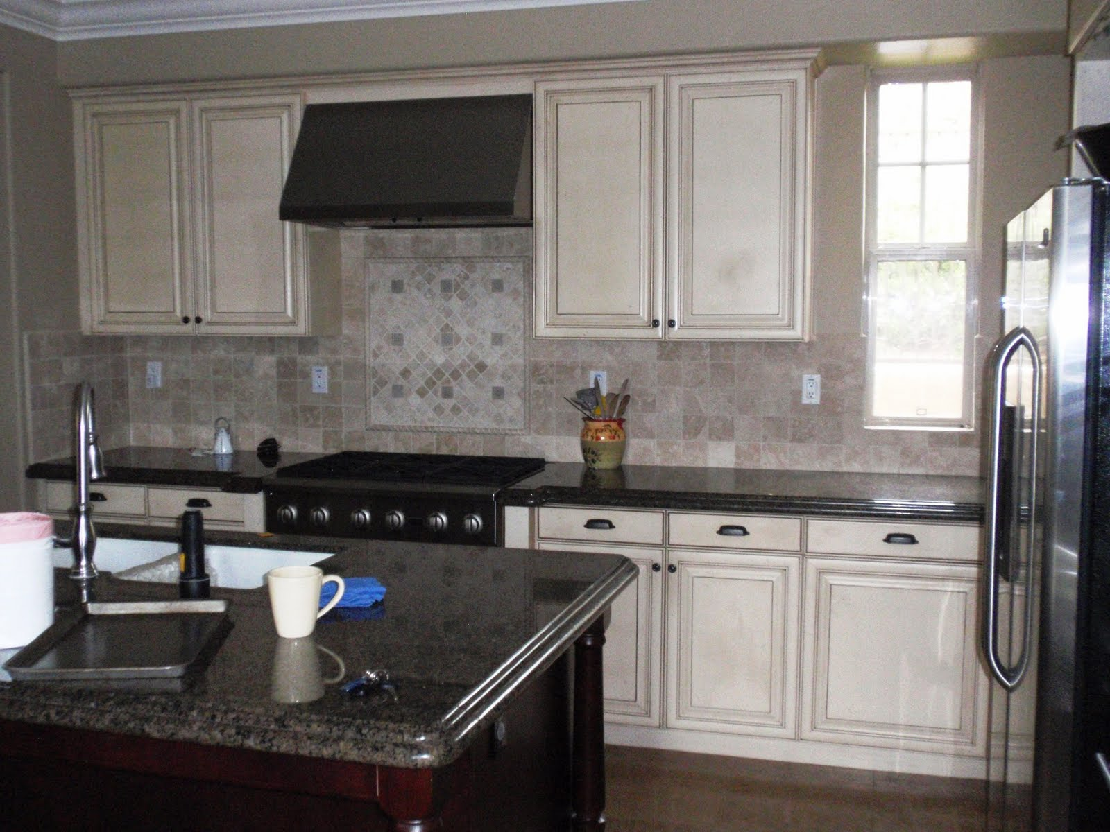 painting kitchen cabinets bdg style  painting kitchen cabinets  rh   bdgstyle blogspot com