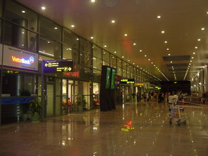 Inside Đà Nẵng international airport