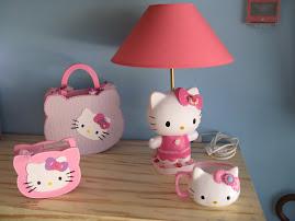 Candeeiro, Mala/Caixa, Caneca e Mealheiro Hello Kitty