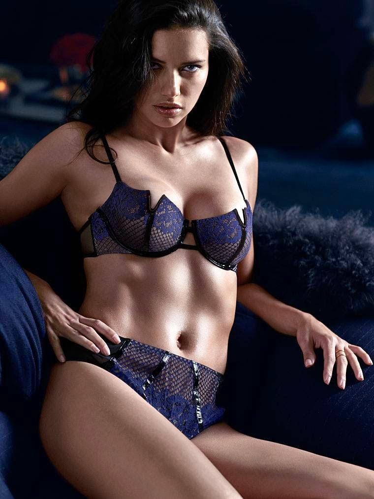 strip nude lima Adriana