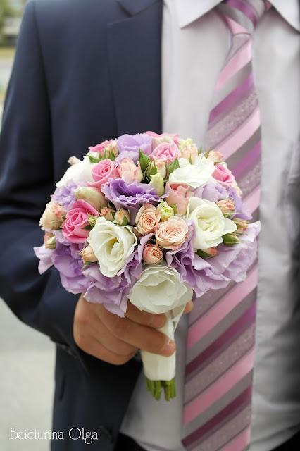 Свадебные букеты с фиолетовыми цветами для невесты фото