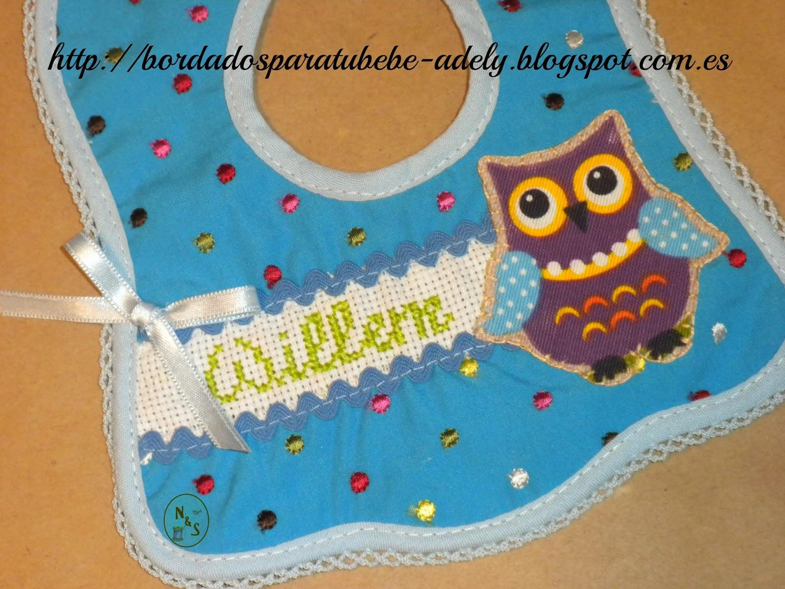 Babero artesanal personalizado para bebé-Regalo original personalizado infantil punto de cruz.