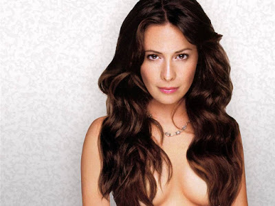 Holly Marie Combs Topless Wallpaper
