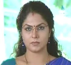 Asha-sarath-Kumkumapoo-serial-actress-hot-4