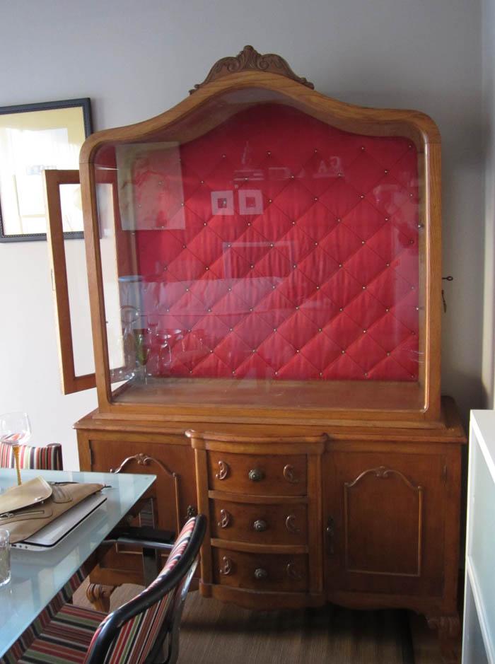 antigua vitrina de madera antes y después