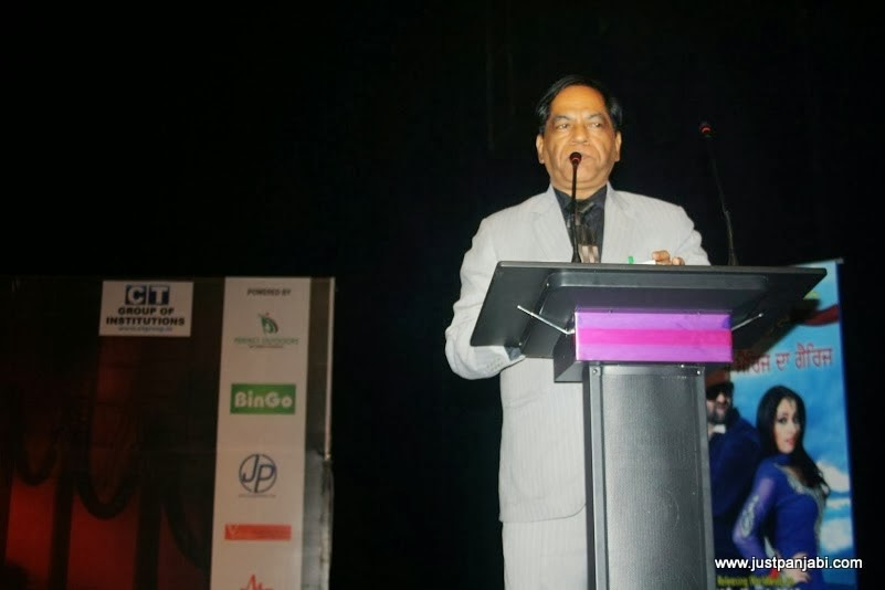Host and Punjabi Film expert Satish Verma during Just Panjabi sponsored event PCGH