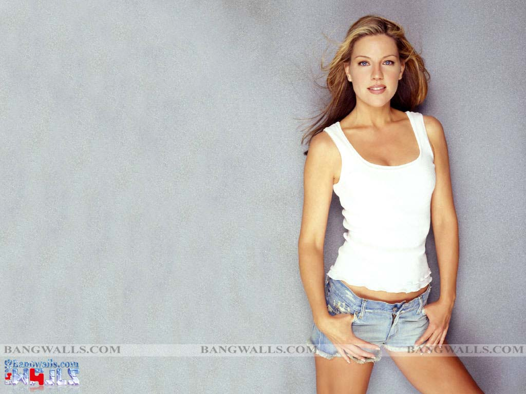 Andrea Parker Photos Hot And Sexy Actress ~ The Aj Hub | We Share Love Ileana Hot Wallpapers
