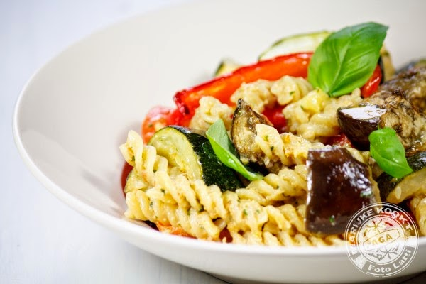 Fusilli met geroosterde groenten