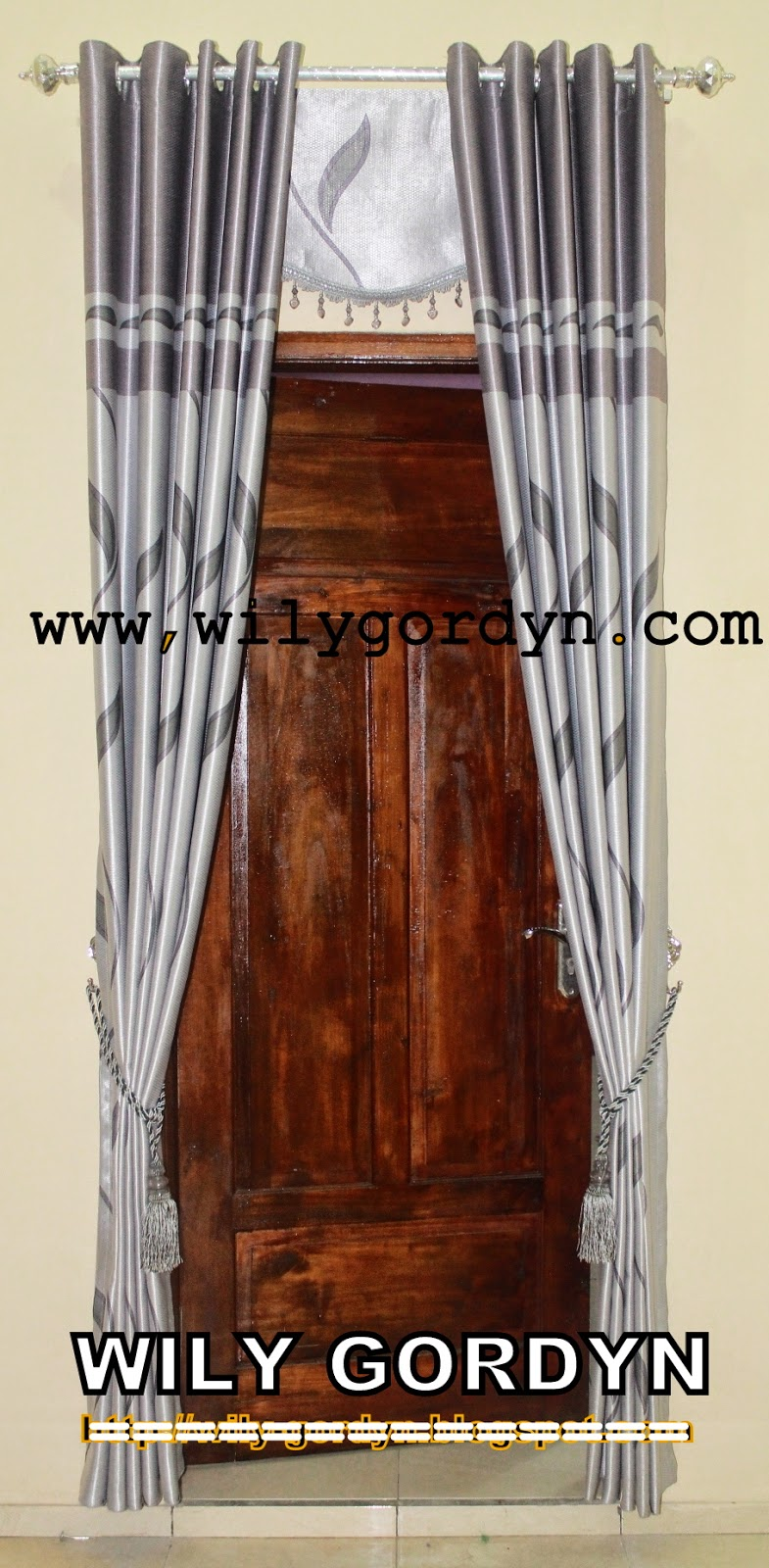 Contoh desain gorden untuk pintu   wily gordyn
