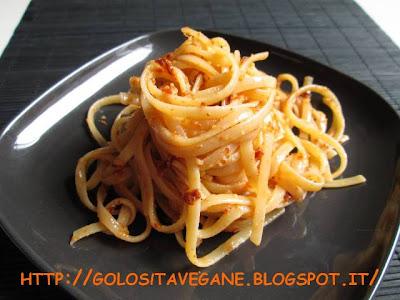 aglio, anacardi, Conserve, lievito alimentare in scaglie, mandorle, pesto, pomodori secchi, Preparazioni di base, ricette vegan,